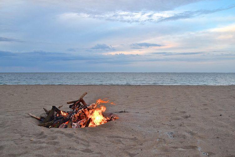 Playa El Cabañal o Las Arenas